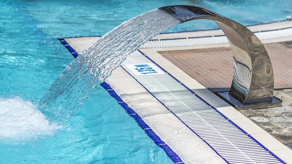 5 Tips To Keep Your Pool Water Clean