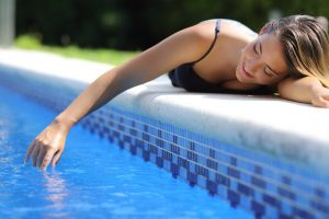 Swimming pool safety tips for pet owners