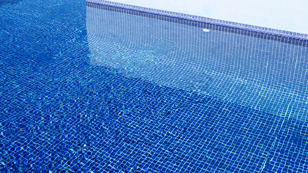 Is It Time To Clean The Swimming Pool Tiles Best Pool