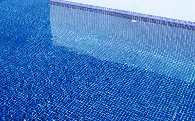 Is it time to clean the swimming pool tiles?